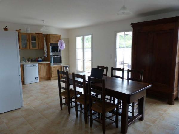 Table en chêne massif / Solid oak dining table