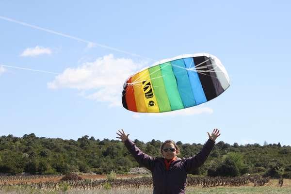 Possibilité de faire du cerf volant sur le terrain / Kite flying in the villa garden