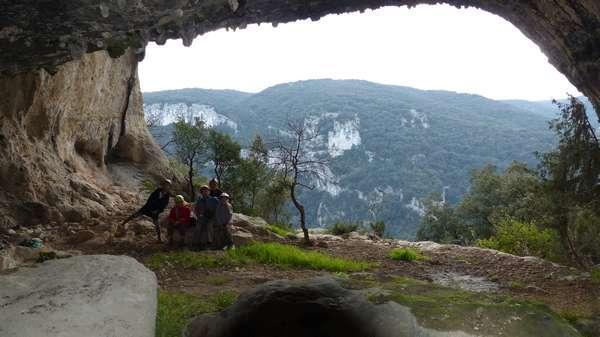 Une multitude de grottes / A multitude of caves