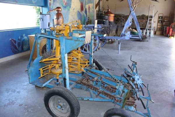 anciens outils de coupe / Old harvesting machines