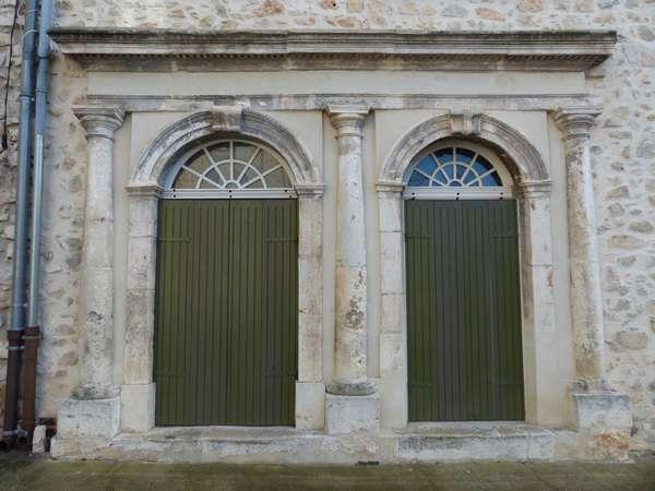 Quelques portes caractéristiques / Some typical doorways